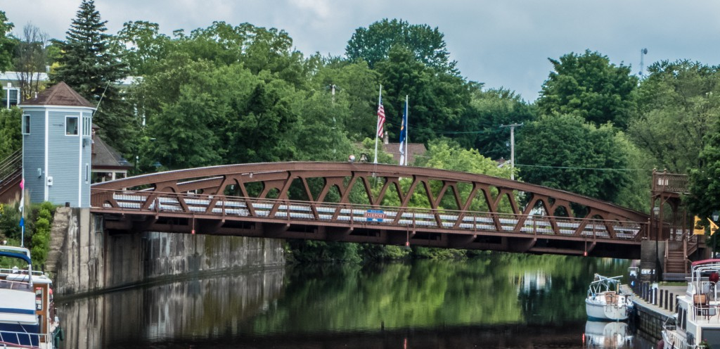20150612 Fairport_slanted_lift_bridge-0102