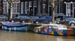 20160501_amsterdam_boat_colorful_0001