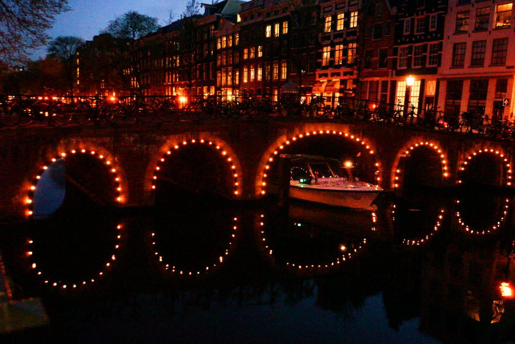 Amsterdam at night 2-5