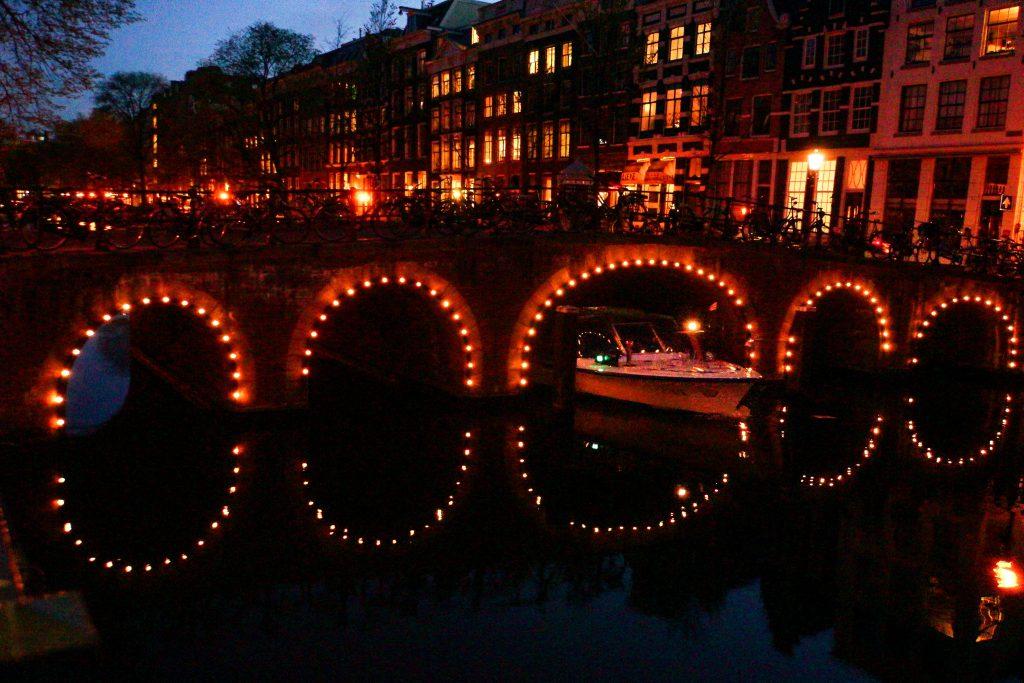 Amsterdam at night 2-5